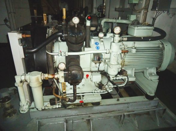 Second Hand And Reconditioned Marine Air Compressor Hvac